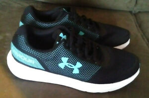 Under Armour Womens Sz 8  Black and aqua training running Athletic shoes