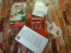 Wilton 13 piece cookie cake decorating set tips bags stencils New open box
