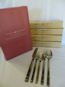 JOSEPH ABBOUD Silver Co VENTANA 18/10 Stainless Steel  20-pc SERVES 4 New in Box