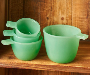Green Opaque Glassware Measuring Cups Set of 4 Farmhouse Vintage Kitchen NEW