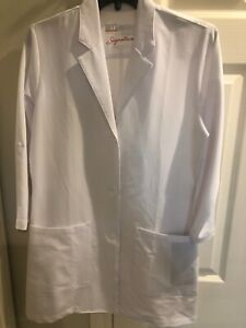 NWT Grey' Anatomy Signature 2403 White Lab Coat 3 Sizes Available