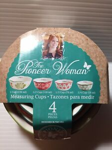 Pioneer Woman Stoneware Poinsettia 4 Piece Nesting Measuring Cups Bowls NEW