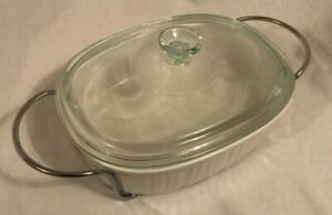 CorningWare French White 2-1/2-Quart Oval Casserole Dish w/ cover and carrier