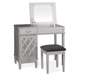 The Janie Vanity Set Wooden Lattice Mirror Desk Stool Makeup Table - Silver