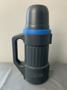 32oz. Thermos Rugged Plastic Stainless Steel Drink Food Container Handle and Cup