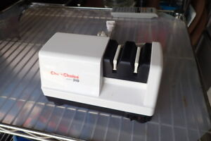 Chef's Choice Knife Sharpener 310 Electric Kitchen Diamond Hone Low Use Works