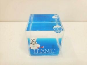 Official Titanic Museum Liquid Motion Floating Polar Bear Cube 2quot; x 2quot;