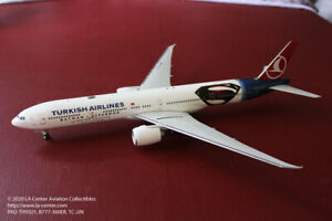 Phoenix Model Turkish Airlines Boeing 777 300ER Batman amp; Superman Model 1:200