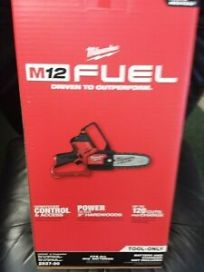 Milwaukee 2527 20 M12 FUEL HATCHET 6quot; Brushless Cordless Pruning Chain Saw NEW $178.40