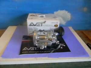 AVET MXL 5.8 SILVER RIGHT HAND LEVER DRAG FISHING REEL NEW IN THE BOX $217.00