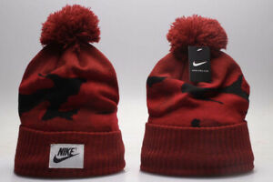 New Nike Red Camo Winter Knit Beanie Cuffed POM Adult Unisex Red Black NWT $19.99