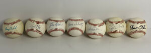 Lot 7 Official National League MLB Signed Autograph Baseballs Howie Schultz $75.00
