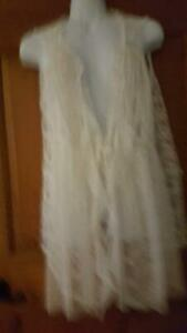 ORIGAMI BY VIVIEN BEAUTIFUL IVORY LACE SHEER VEST TOP SZ LSLEEVELESSFLORAL