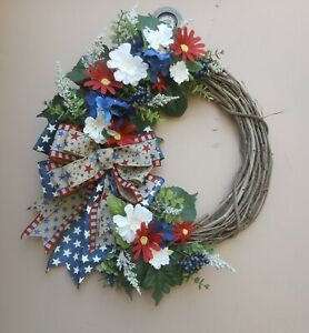 19quot; Patriotic July 4th Red White Blue Daisies Floral Summer Grapevine Wreath $24.84