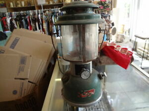 Coleman Camping Lantern Model 220J Comes with wrench and plate