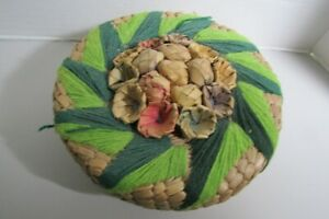 Vintage ROUND WOVEN SEWING BASKET with supplies $9.99