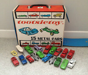 ultra rare 1960s carry case with 17 cars