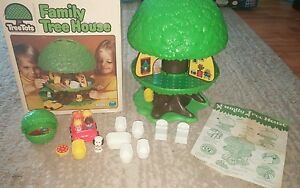 1976 play family tree house in original box