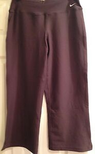 NWOT NIKE DRY FIT Crop Pants Chocolate SIZE  Women S
