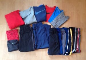 Lot of 17 Men's Athletic Clothing~ NIKE Therma-Fit Hoodies DriFit Shirts~Medium