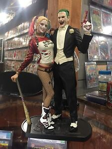DC COLLECTIBLES ~ SUICIDE SQUAD MOVIE JOKER AND HARLEY QUINN STATUE *IN STOCK*