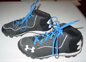 UNDER ARMOUR MLB AUTHENTIC BOY'S BASEBALL SHOES SIZE 3Y BLACK & WHITE