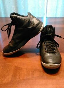 Under Armour Micro Clutch Fit Basketball Shoes Size: Womans 9