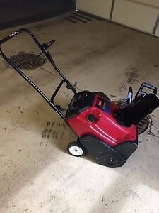 Toro CCR2450 CCR 2450 R-Tek 5Hp Snow Blower Thrower  Exceptional Condition