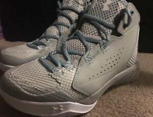 Under Armour Womens Torch Fade Size 6.5 Alum(Grey)White 1269300-052