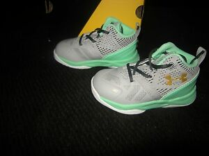 New Toddler Boys  Girls Gray & Green Under Armour Curry 2 Tennis Shoes Size 6