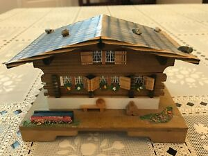 CUENDET LOVE STORY 15329 Swiss Musical Movement CHALET MUSIC BOX WOODEN