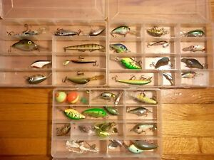 Large Lot Fishing Lures 30+ Plugs Spinnerbaits Buzzbaits Crankbaits