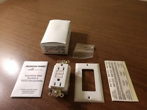 New Arrow Hart GFCI Duplex Receptacle with White Wall Plate GF5242W