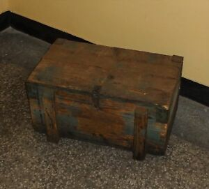 Vintage WW2 Wooden Ammo Box Military Green Paint Amunition box