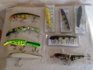 Lot of 9 ~ Casting & Jerk Baits ~ Muskie Lures ~ 4 New ~ 5 Used