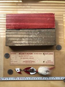 Musky Hond With Original Box. Vintage Lure