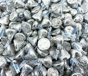 Hershey's Kisses Candy, Milk Chocolate Silver Foil 100 Candies Per Pound