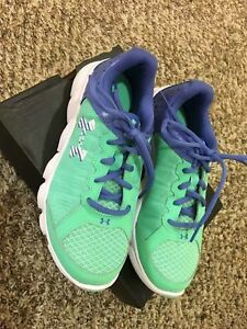 UNDER ARMOUR MICRO G  ASSERT 6 shoes for girls NEW US size (Youth) 4.5Y,23.5cm