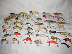41 VINTAGE FISHING LURES SOME VERY UNIQUE HEDDON WRIGHT McGILL REBEL +++