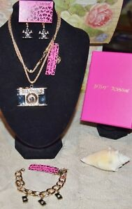 3PC BETSEY JOHNSON  CRYSTALBLACK CAMERA NECKLACE EARRINGS CHARM BRACELET NEW