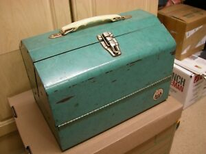 VINTAGE WATERLOO 546 METAL TACKLE BOX 8 34