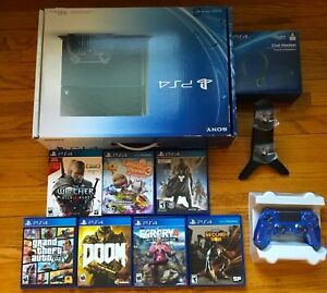 PS4 500GB * 7 Games * 2 Controllers * Charging Stand & Headset
