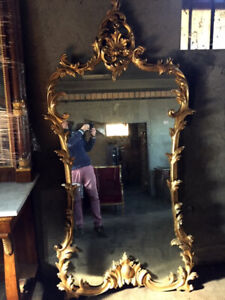 Antique and Important Mirror in Sculpted Wood - Restored
