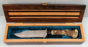 Fabulous Handmade Custom Hunting Knife Cased Damascus Steel Blade