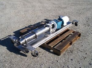 Moyno progressing cavity pump SS product contact 3 in Tri Clamp inout