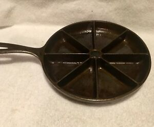 Cast Iron Wedge Corn Bread Skillet 8 Slice Cooking Pan....Made in USA..(B-113)