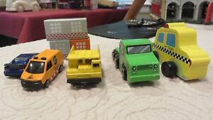 Misc lot of Eight 8 Items Circo Wood Vehicle Taxi Small Cars Dump Truck