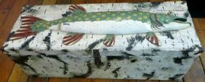 AWESOME VINTAGE  MUSKIE  PIKE  FISH WOODEN CHEST  TACKLE BOX  34