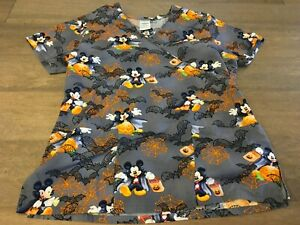Disney Women's Scrub Top Halloween Mickey Mouse Sz S Trick Or Treat Vampire Bat