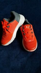 *NICE*  .....  SIZE 11 KIDS YOUTH ~ORANGEGREY UNDER ARMOUR  BOYS SHOES~